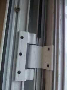 Замена петель S-94 в алюминиевых дверях Киев, петли S-94 Киев - изображение 1