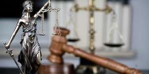 Знающий адвокат Днепр – широкий перечень правовых услуг - изображение 1