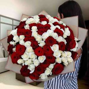 Лучший выбор букетов 101 роза в Харькове - изображение 1