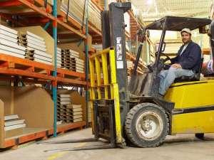 Работник склада, водитель погрузчика - изображение 1