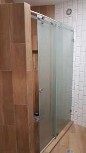 Стеклянные двери, душевые перегородки,офисные перегородки, козырьки, навесы, ограждения, кухонные рабочие зоны - изображение 1