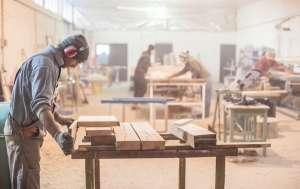 Требуются сотрудники на деревообрабатывающее предприятие - изображение 1