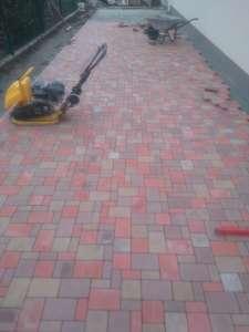 укладка тротуарной плитки - изображение 1